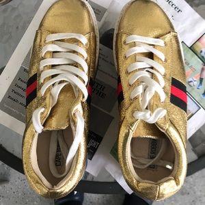 Cape Robbin Platform Tennis Shoe